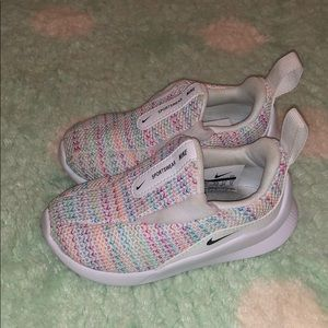 Toddler Nike's size 6